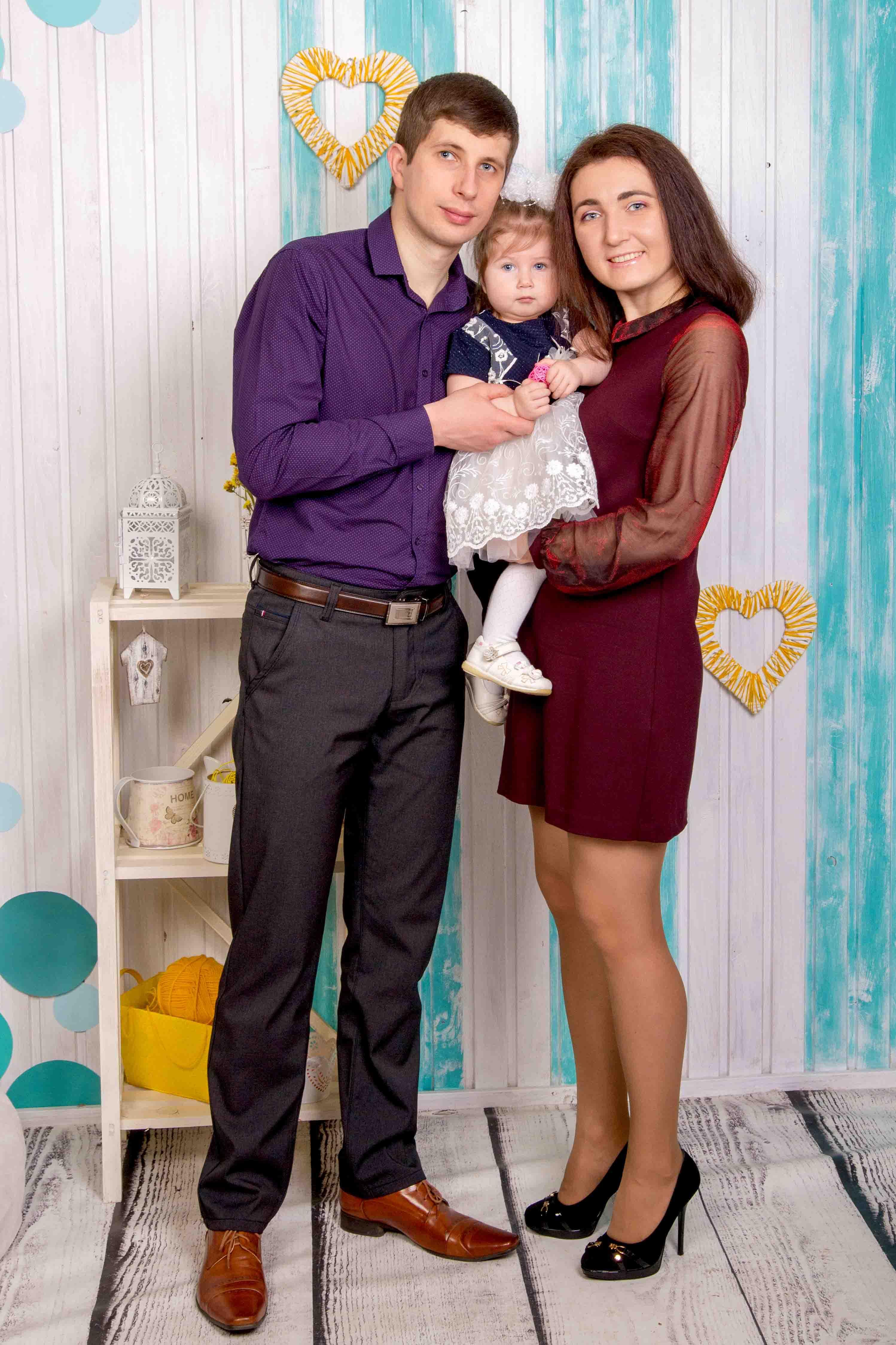 Семейная фотосессия в фотостудии в Бресте