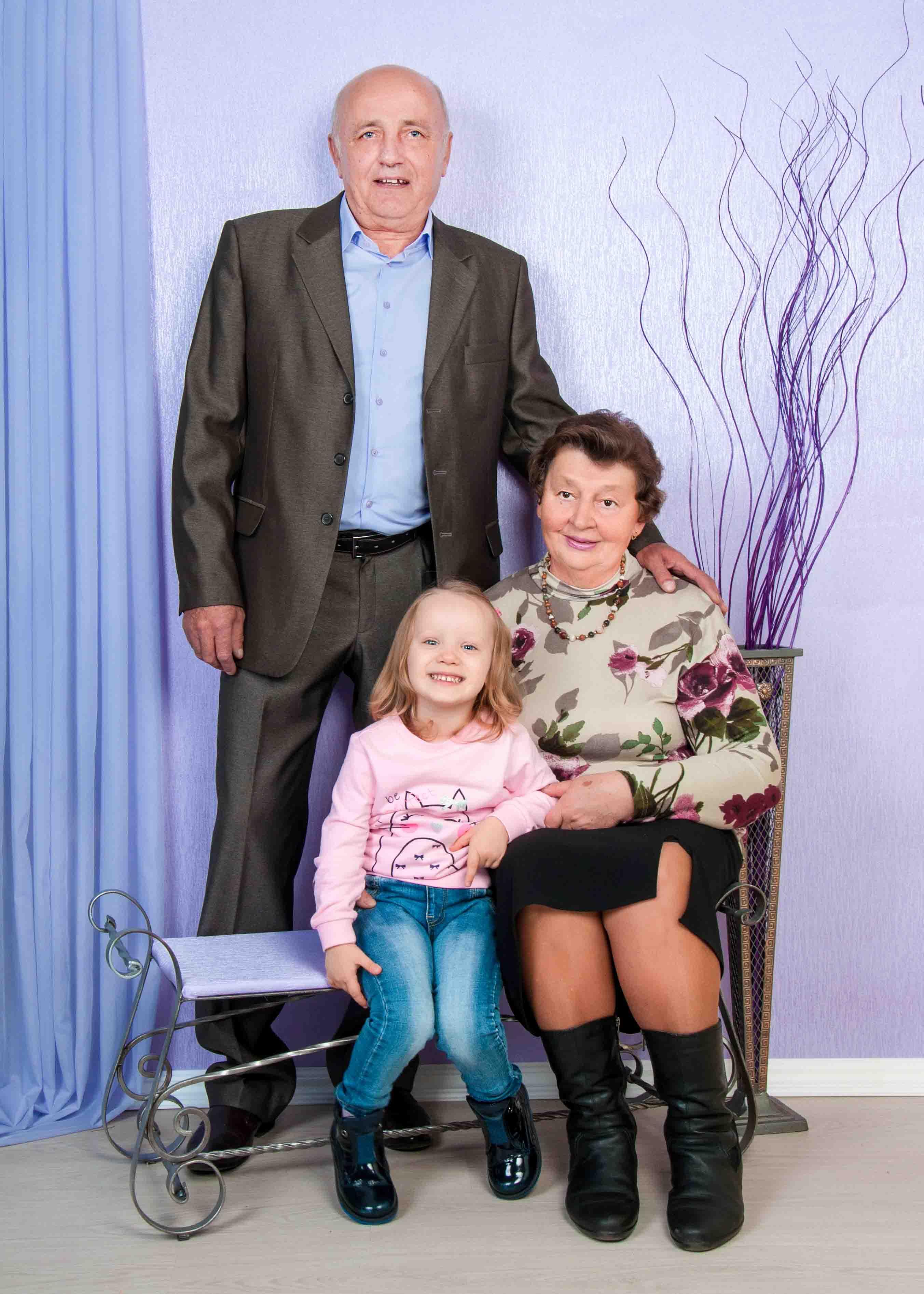 семейная фотосессия бабушка и дедушка